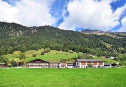 Bergbauernhof Südtirol 01